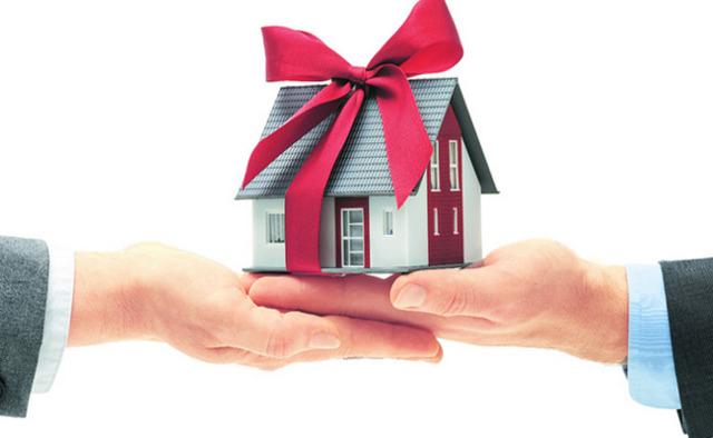 О дарственной на квартиру: плюсы и минусы договора дарения недвижимости, налоги