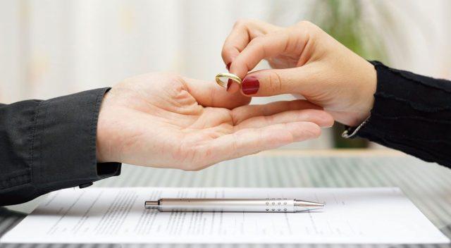 Сколько стоят разводы: цена бракоразводного процесса, стоимость подачи заявления