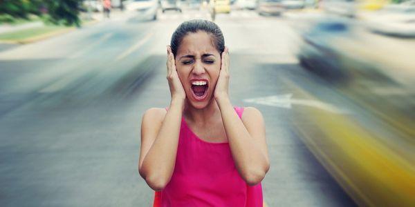 Со скольки можно шуметь: до какого времени разрешено на улице и дома, когда нельзя