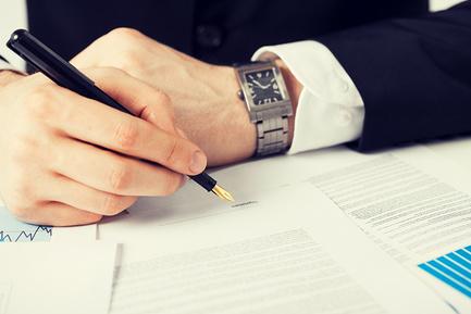 Кто может подписать справку 2-НДФЛ для сотрудников, кто должен подписывать