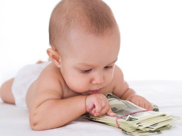 О выплатах при усыновлении ребенка: сколько платит государство, какие пособия