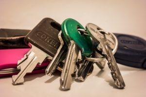 cколько человек можно зарегистрировать в квартире: прописка в частном доме