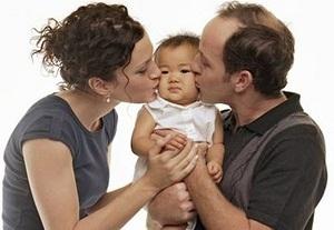Об отказниках в роддоме: как усыновить новорожденного, где можно взять грудничка