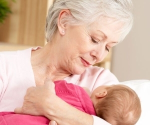 О декретном отпуске для бабушки: может ли уйти вместо мамы, как оформить