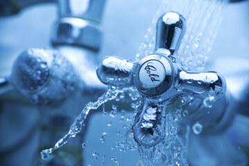Составление коллективной жалобы на горячую и холодную воду: как подать, образец