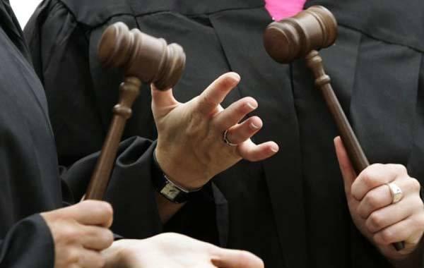 Заявления об отводе судей в гражданском процессе: образец ходатайства, основания